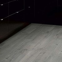 Ламинат Pergo Sensation Modern Plank 4V Urban Grey Oak - фото в интерьере